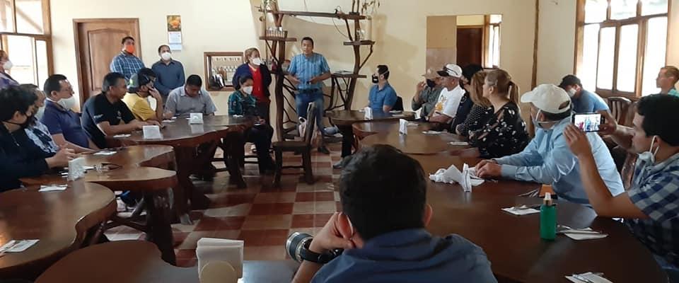 LA MINISTRA Y GOBERNADOR DE LA PROVINCIA DE CAÑAR VISITARON LA PARROQUIA VENTURA.