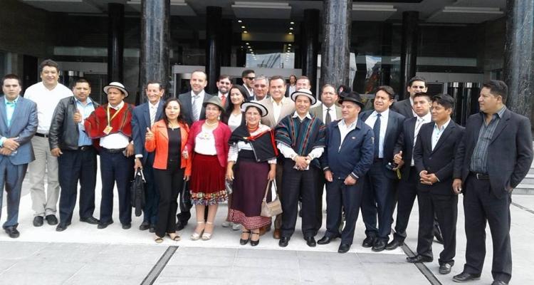 AUTORIDADES Y MORADORES DE EL PIEDRERO EN LA ASAMBLEA NACIONAL.